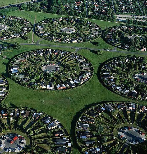 Koppenhága külvárosa - Yann Arthus-Bertrand fotográfus képének részlete (justpaste.it)