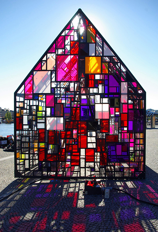 színes üvegház (designboom.com)