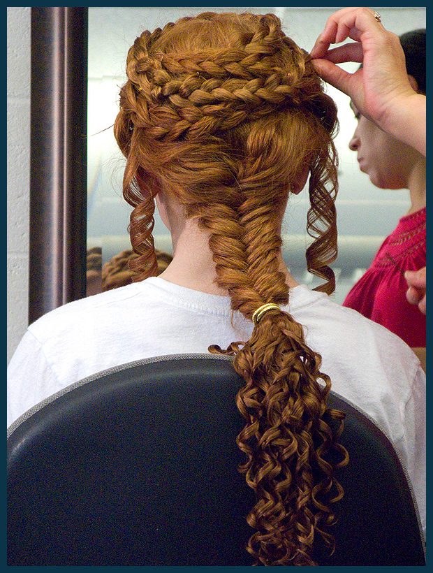 kariatida frizura