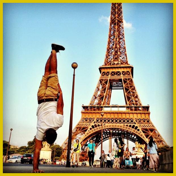 Eiffel-torony, Párizs és  Kapstand a break táncos