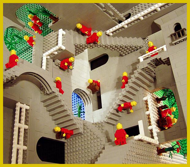 legóból épített lehetetlen épület - Relativitás - M.C. Escher