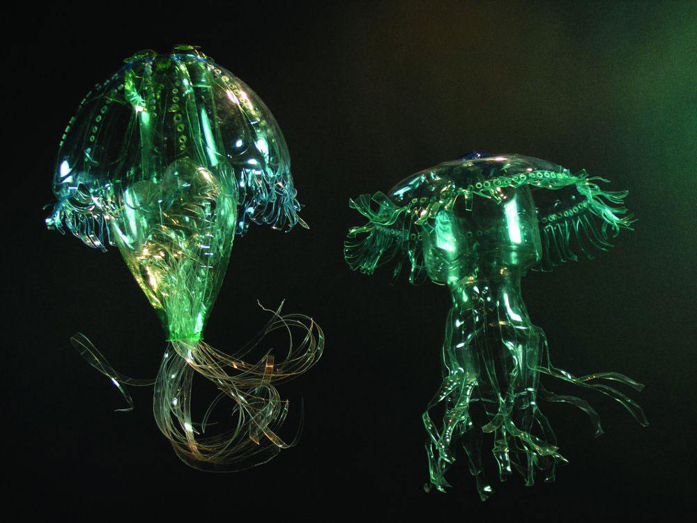 medúzák PET palack művészet - Veronika Richterová