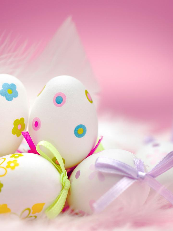 pöttyös és virágos húsvéti tojások