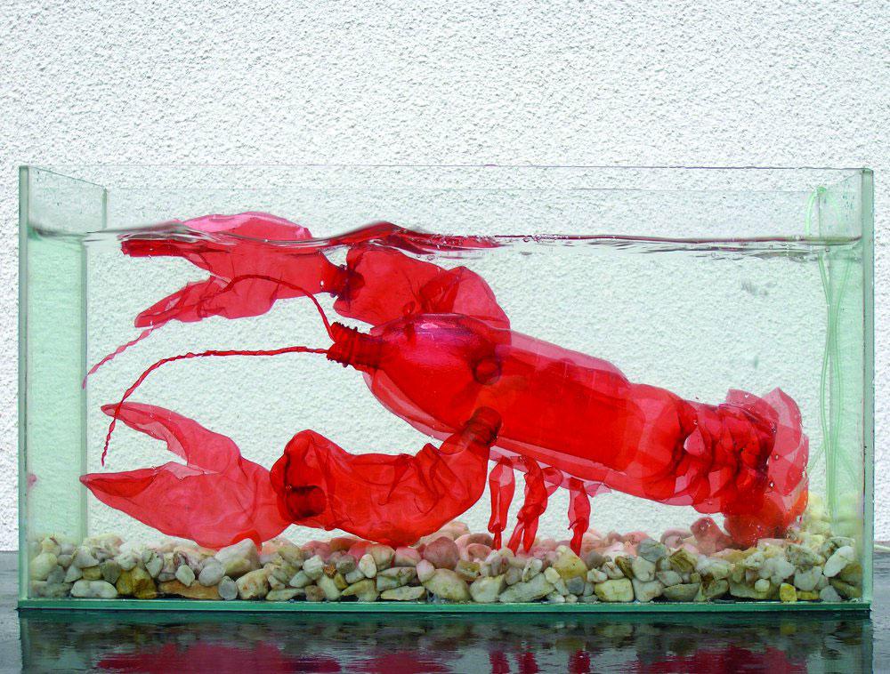 rák PET palackok művészi újrahasznosítása