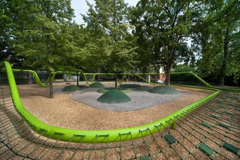 zöld játszótér