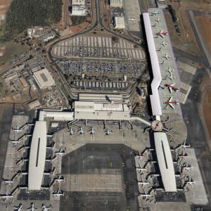 Nemzetközi Repülőtér - Brazíliaváros, Brazília